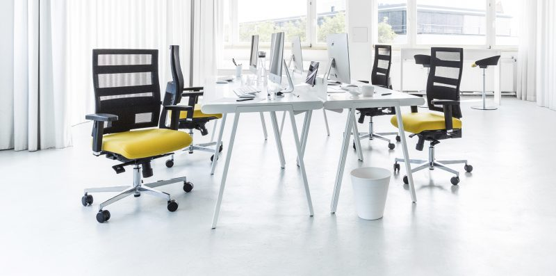 sveikas sėdėjimas, aktyvaus sėdėjimo, sitness, dondola, sveiko stuburo mokykla, biuro kėdės, darbo kėdės, sveika nugara,