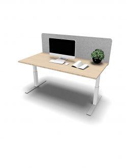 pertvara tarp stalų, biuro stalo pertvara, akustine pertvara, akustinė pertvara, akustinis skydas, akustinis panelis, akustiniai baldai, akustika, akustiniai sprendimai, paprasta stalo pertvara, akustinės pertvaros, stalų pertvaros,